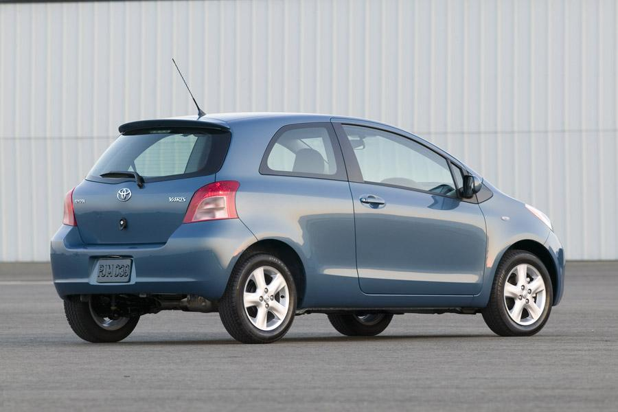 2008 Toyota Yaris Photo 3 of 12