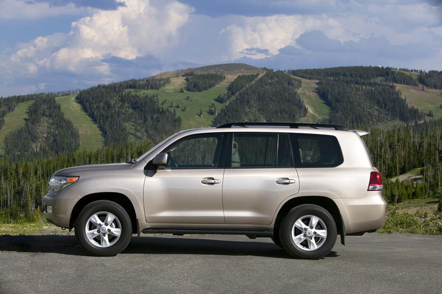 2008 Toyota Land Cruiser Photo 2 of 12