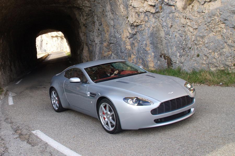 2008 Aston Martin V8 Vantage Photo 3 of 7