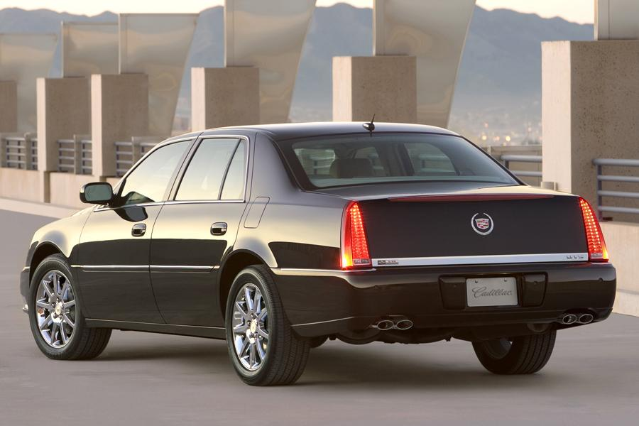 2008 Cadillac DTS Photo 2 of 6