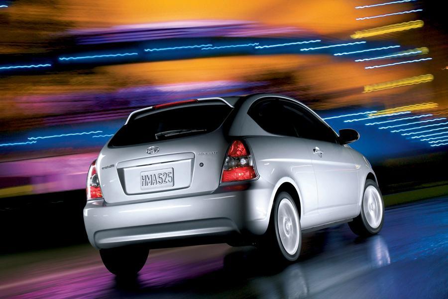 2008 Hyundai Accent Photo 5 of 7