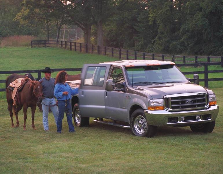 2001 Ford F-250 Photo 2 of 3