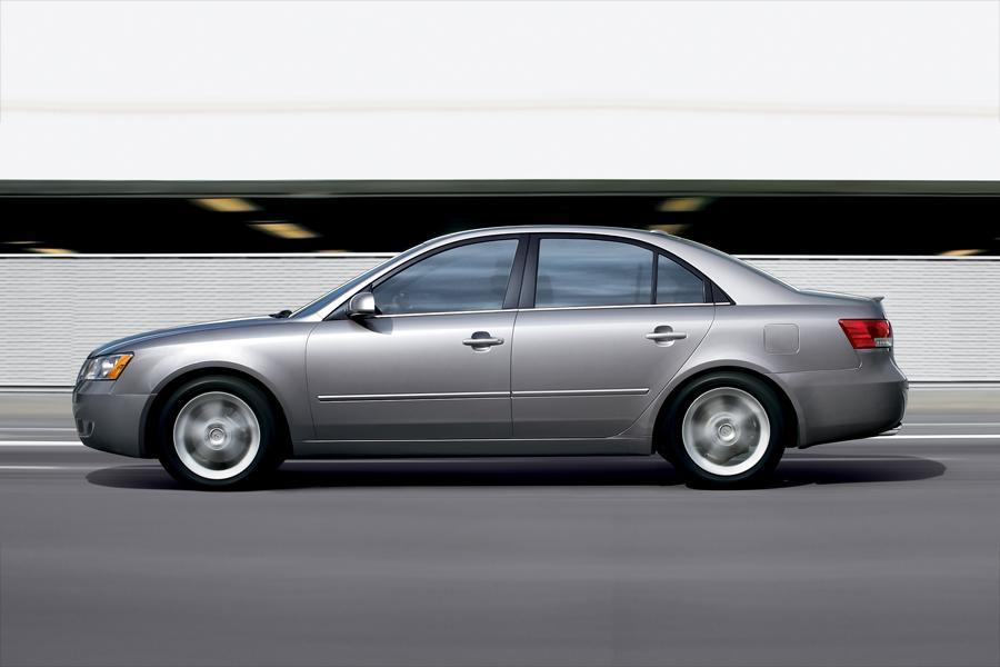 2008 Hyundai Sonata Photo 2 of 8