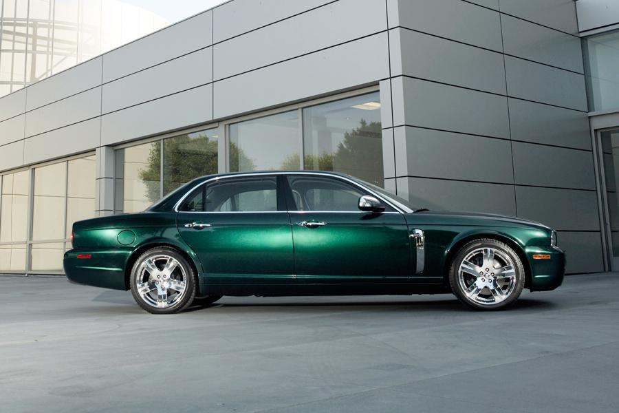 2008 Jaguar XJ8 Photo 2 of 8