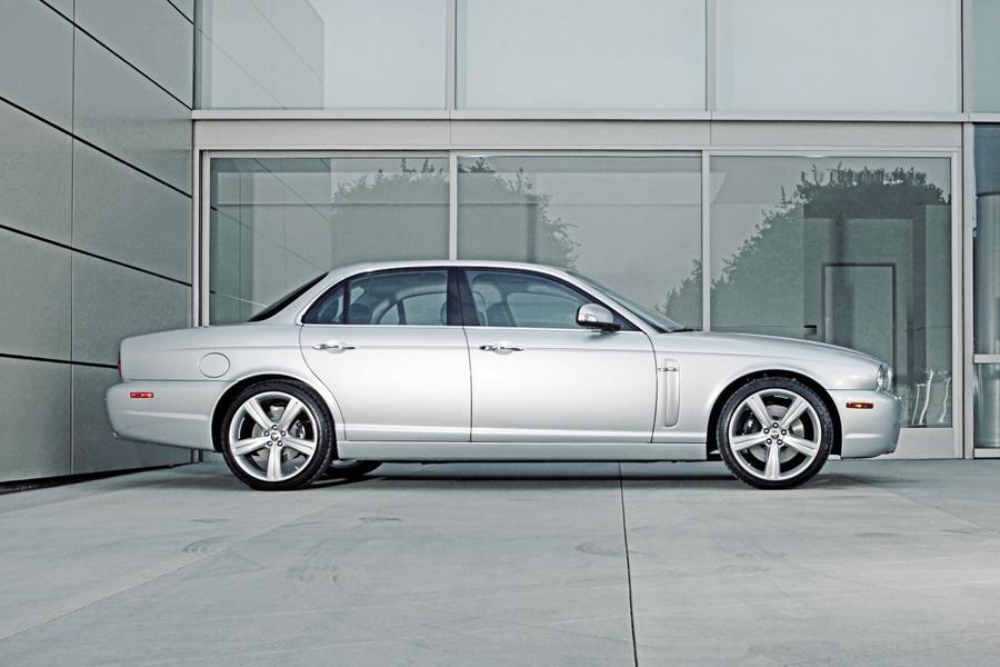 2008 Jaguar XJR Overview  Carscom