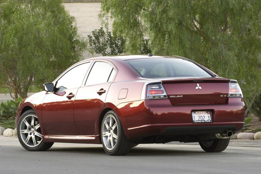 2008 Mitsubishi Galant Photo 2 of 8