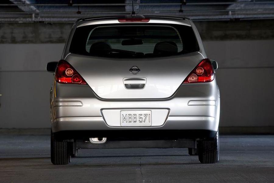 2008 Nissan Versa Photo 4 of 8