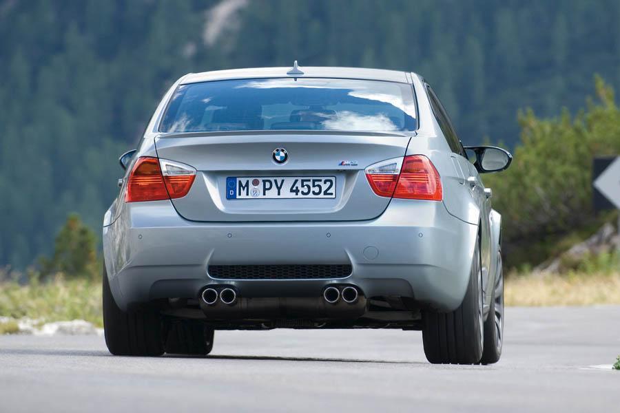2007 BMW M Photo 2 of 3