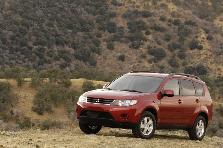 2008 Mitsubishi Outlander Photo 4 of 8