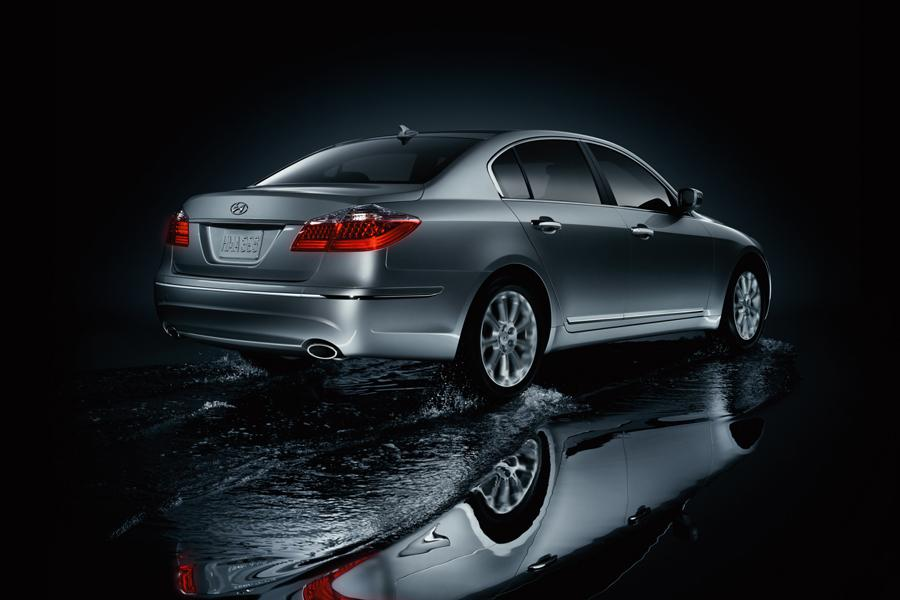 2009 Hyundai Genesis Photo 2 of 10