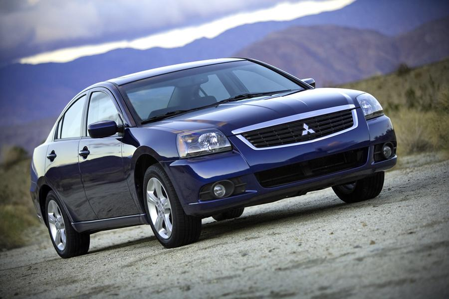 2009 Mitsubishi Galant Photo 2 of 10