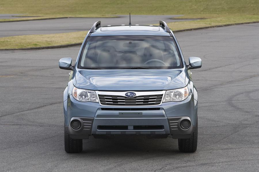 2009 Subaru Forester Photo 2 of 10