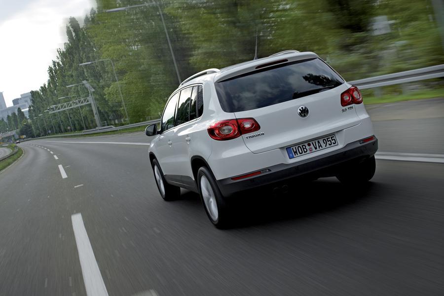 2009 Volkswagen Tiguan Photo 4 of 10