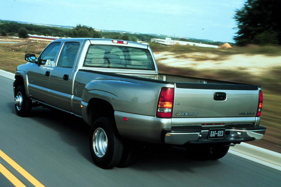 2001 Chevrolet Silverado 3500 Photo 2 of 8