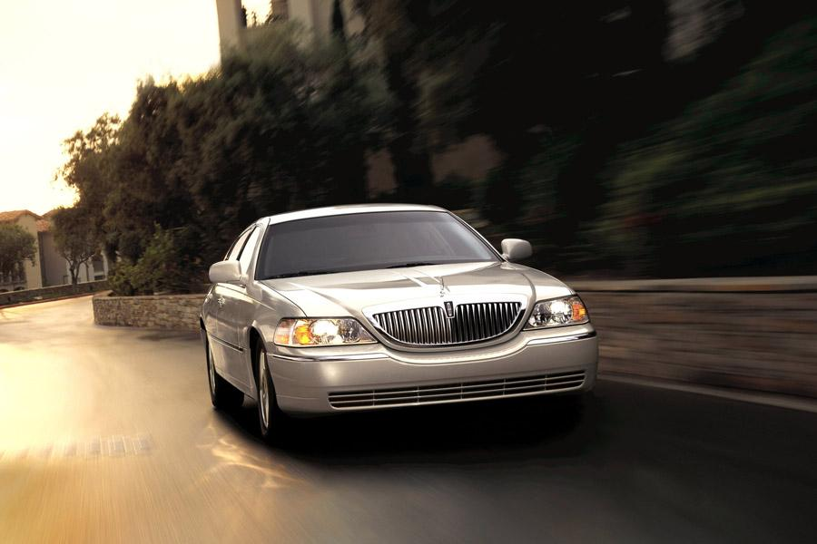 2008 Lincoln Town Car Photo 5 of 7
