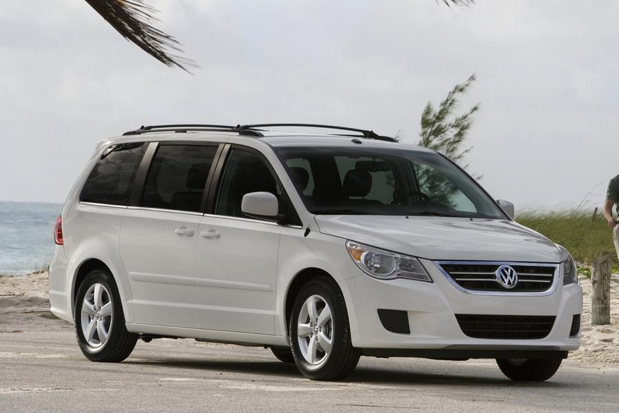 2009 Volkswagen Routan Overview | Cars.com