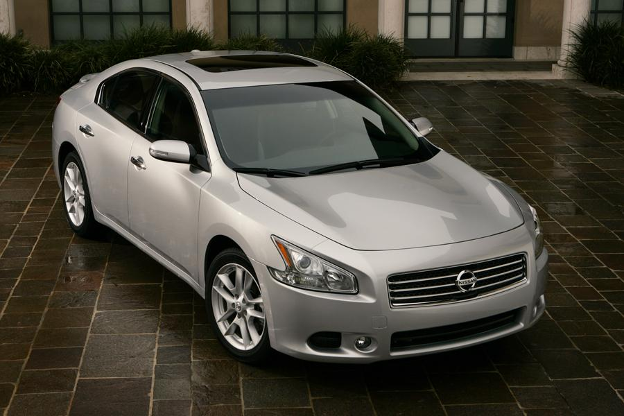 2009 Nissan Maxima Photo 2 of 9
