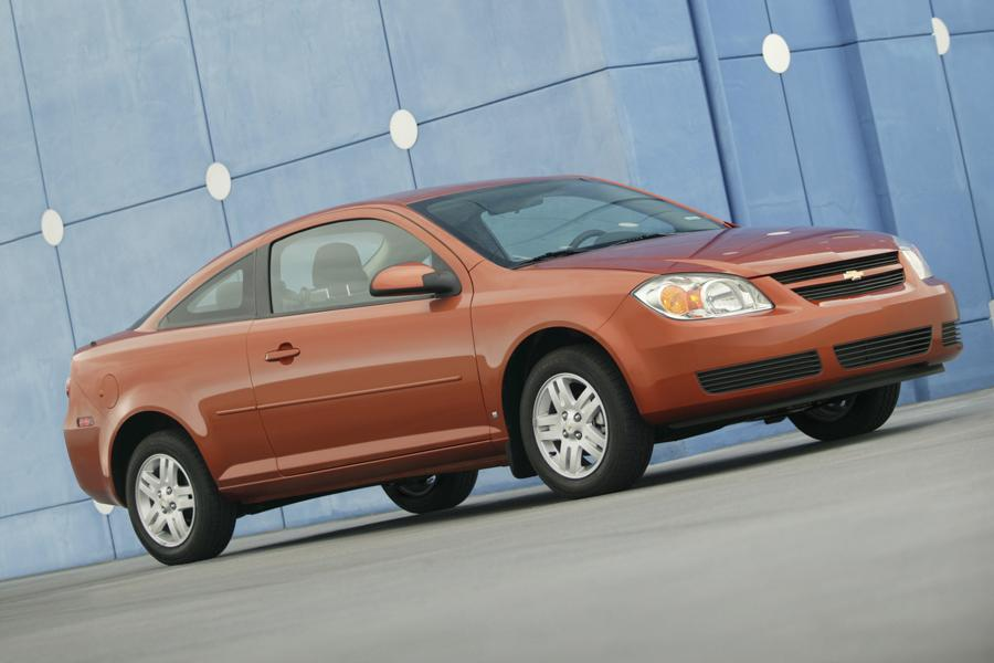 2009 Chevrolet Cobalt Photo 2 of 5