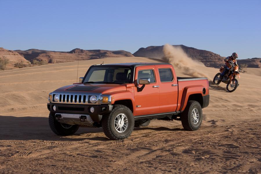 2009 Hummer H3T Photo 2 of 17