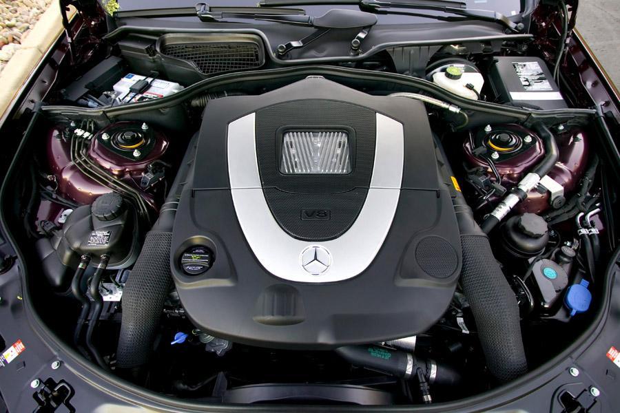 2009 Mercedes-Benz S-Class Photo 4 of 34