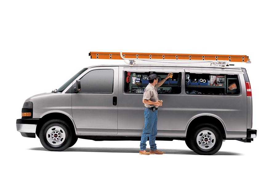 2009 GMC Savana 1500 Photo 2 of 3