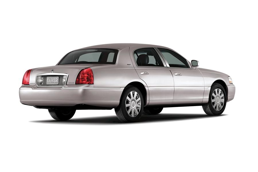 2009 Lincoln Town Car Photo 4 of 7