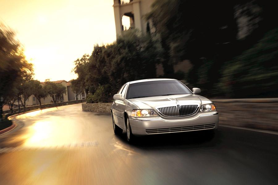 2009 Lincoln Town Car Photo 5 of 7