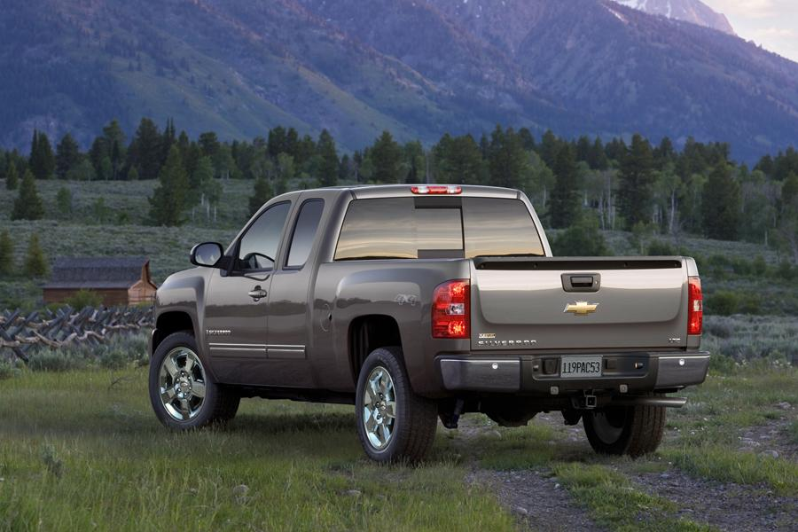 2009 chevrolet silverado 1500 reviews specs and prices. Black Bedroom Furniture Sets. Home Design Ideas