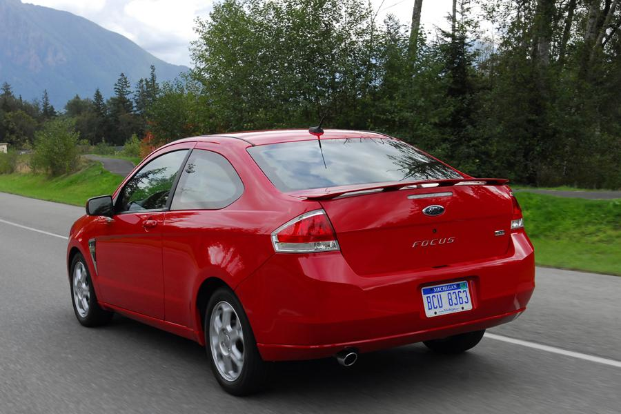 2009 Ford Focus Photo 2 of 16