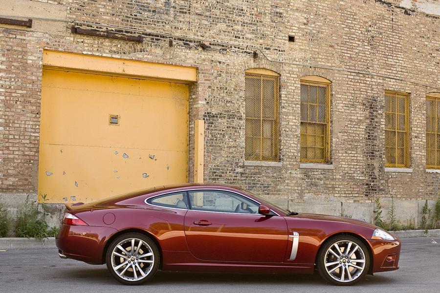 2009 Jaguar XKR Photo 3 of 4