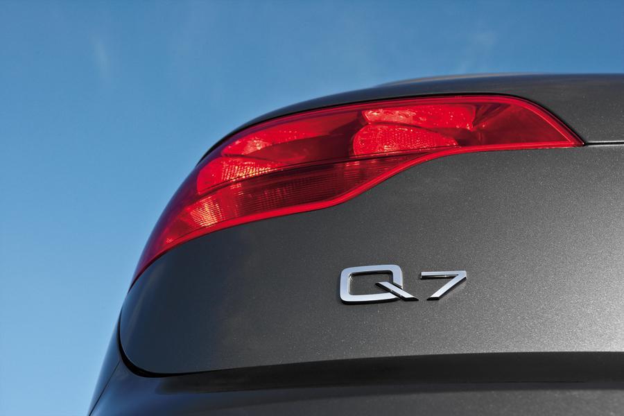 2009 Audi Q7 Photo 2 of 17