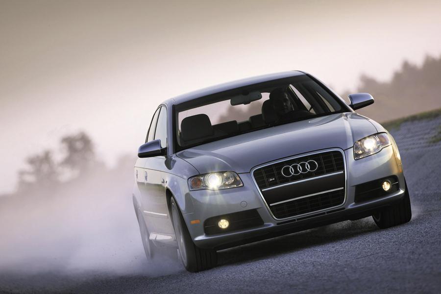 2009 Audi S4 Photo 2 of 16