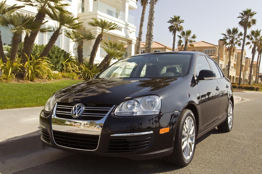 2009 Volkswagen Jetta Photo 4 of 25