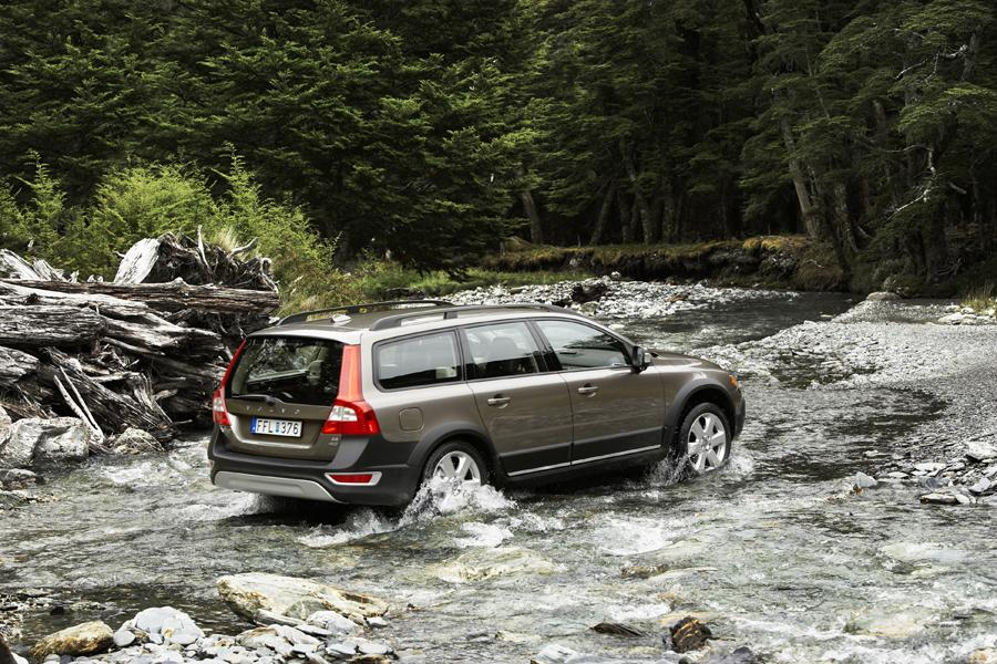2009 Volvo XC70 Photo 2 of 23