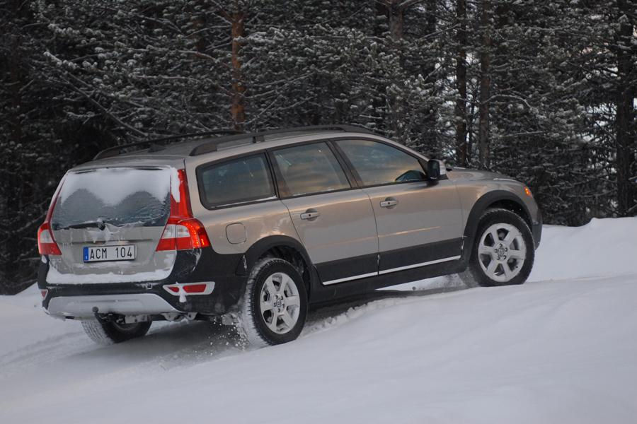 2009 volvo xc70 reviews specs and prices. Black Bedroom Furniture Sets. Home Design Ideas