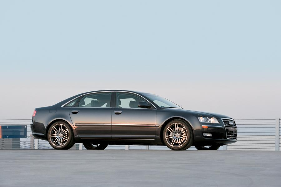 2009 Audi A8 Photo 4 of 19