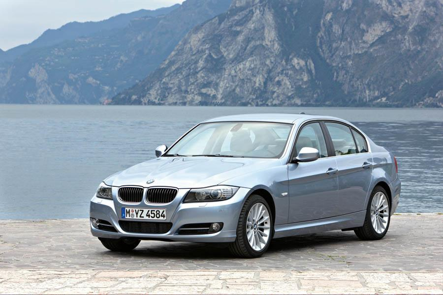 2009 BMW 328 Overview  Carscom