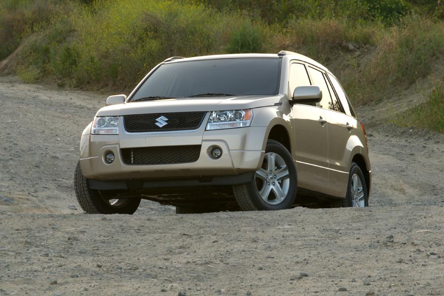 2009 Suzuki Grand Vitara Photo 3 of 20