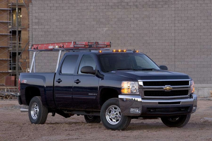 2009 Chevrolet Silverado 2500 Photo 2 of 11