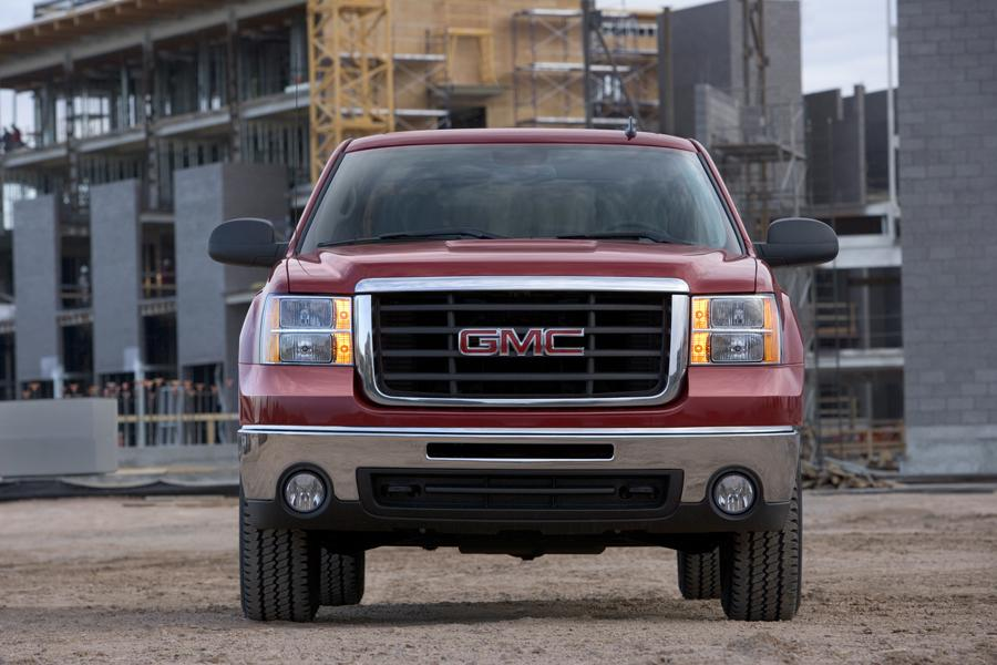 2009 GMC Sierra 2500 Photo 2 of 11