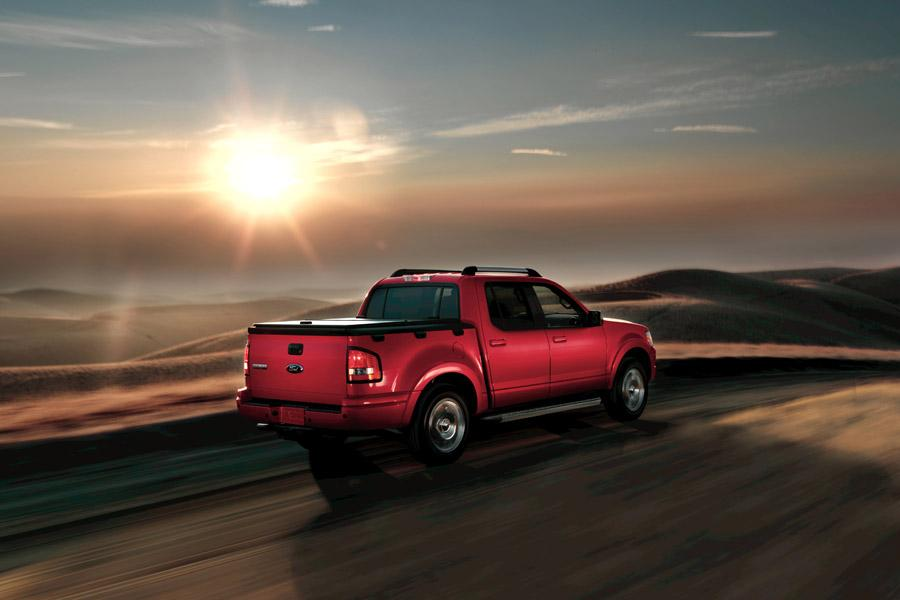 2009 Ford Explorer Sport Trac Photo 2 of 8