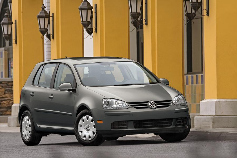 2009 Volkswagen Rabbit Photo 2 of 11