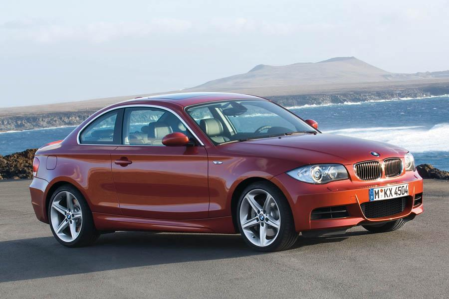 2009 BMW 135 Photo 2 of 18
