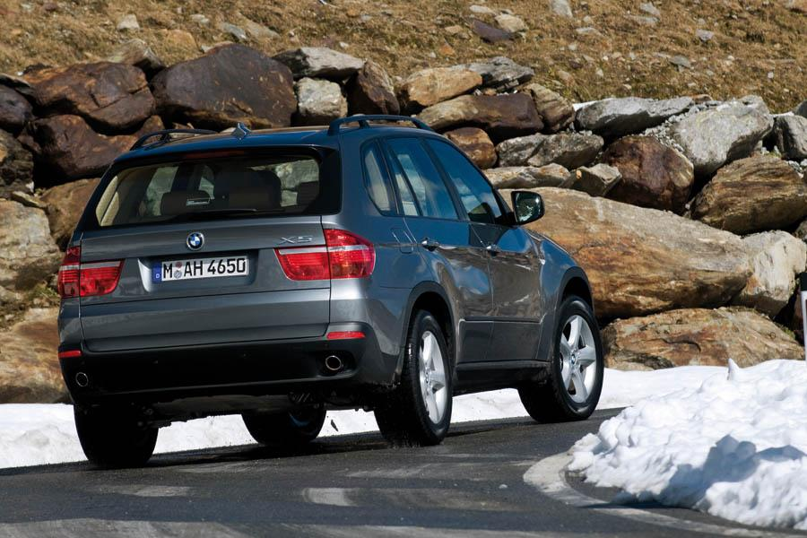 2009 bmw x5 reviews specs and prices. Black Bedroom Furniture Sets. Home Design Ideas