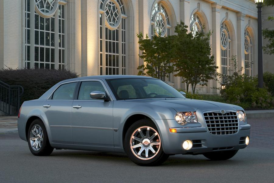 2009 Chrysler 300C Photo 3 of 15