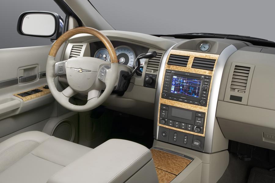 3rd Row Jeep Cherokee >> Chrysler Aspen Sport Utility Models, Price, Specs, Reviews ...