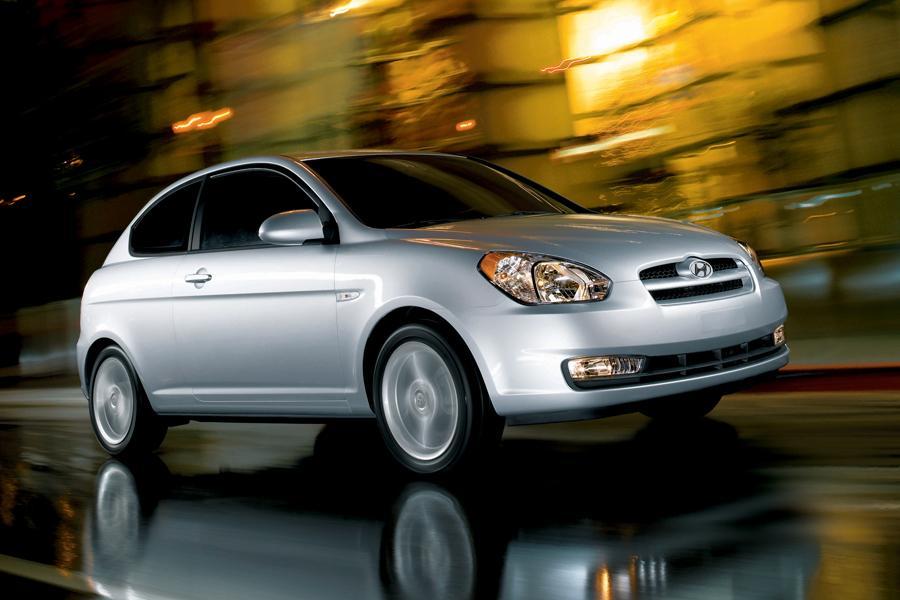 2009 Hyundai Accent Specs Pictures Trims Colors Cars Com