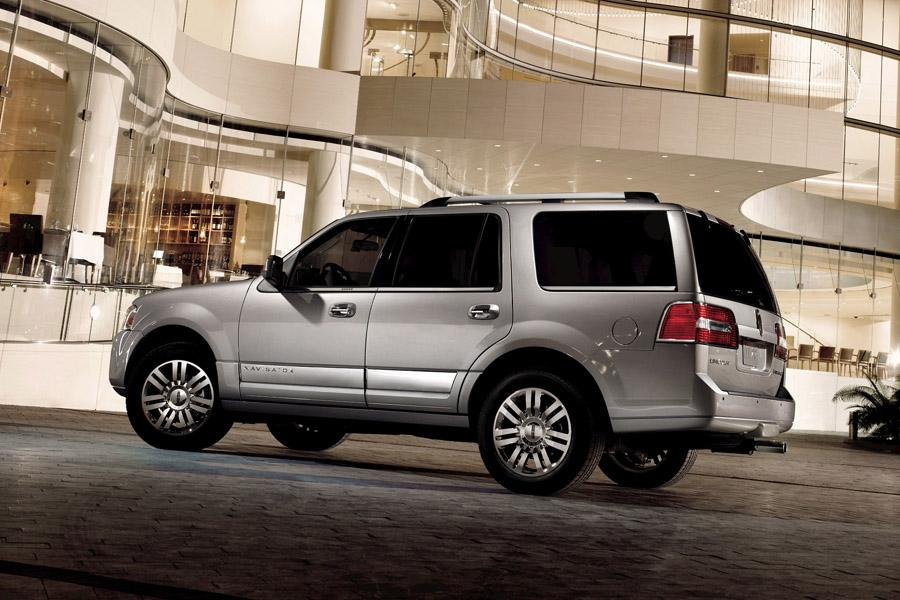 2009 Lincoln Navigator Photo 3 of 7