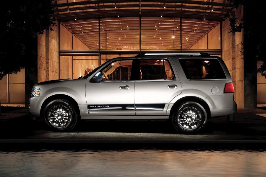 2009 Lincoln Navigator Photo 5 of 7