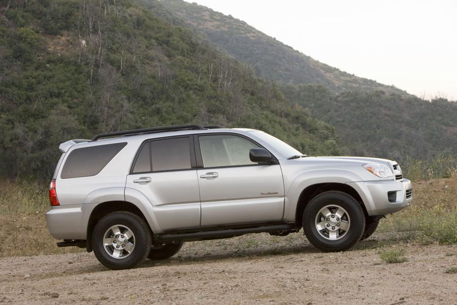 2009 toyota 4runner reviews specs and prices. Black Bedroom Furniture Sets. Home Design Ideas